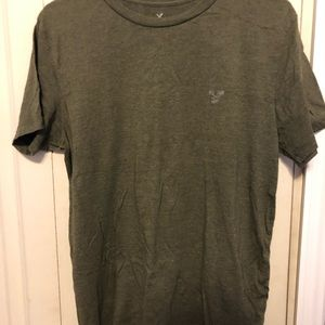 American Eagle MENS green tee, LIKE NEW
